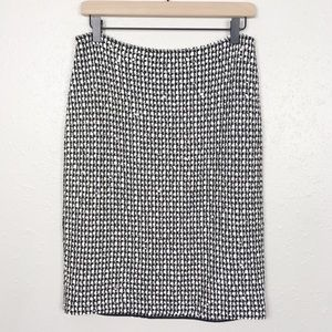 St. John boucle tweed knit pull on pencil skirt